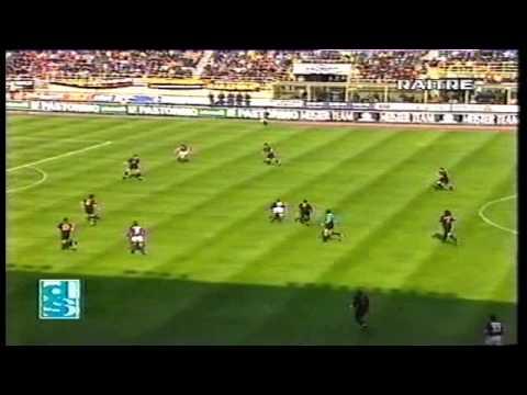 http://bolognanelcuore.freeforumzone.leonardo.it/ Bologna Milan 3-0 Reti : R.Baggio , Fontolan , R.Baggio.