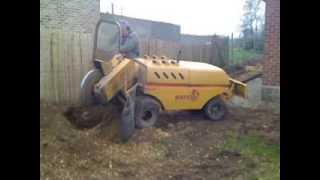 Play utilisation du cric hydraulique pour dessoucher - Comment detruire une souche d arbre ...