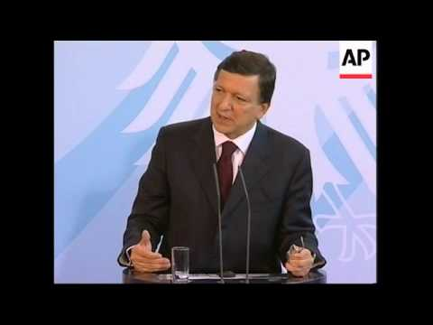 Chancellor Angela Merkel holds news conference with Barroso