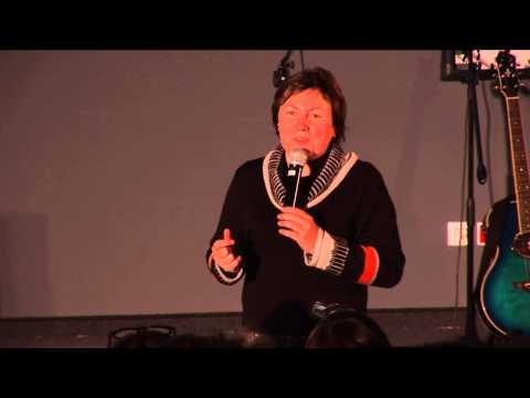 Miasto - Poszukiwanie Wartosci Vs Konsupcjonizm: Irma Kozina At TEDxRawaRiver