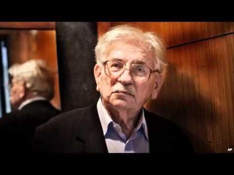 Czech novelist Ludvik Vaculik dies, aged 88