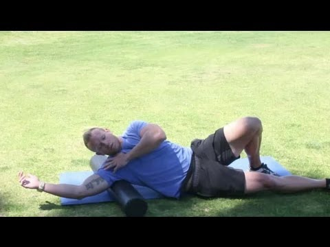 Stretching the Rhomboids & Latissimus Dorsi : Stretching Tips