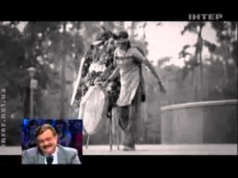 Янукович и венок  прикол