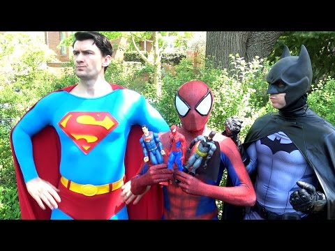 SPIDER-MAN vs SUPERMAN BATMAN WONDER WOMAN - Toy Battle! Real Life Superhero Movie - TheSeanWardShow thumbnail
