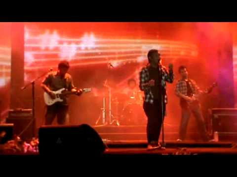 Nugie - Teman Baik (Ladia Band cover) at Pekan Raya Jakarta 2012