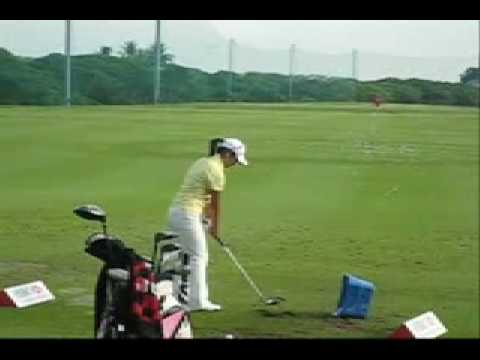 Ai Miyazato practising at the Tanah Merah Country Club driving range before her 2nd round Video