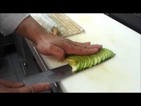 dragon sushi roll アボカドと えび 天ぷら 巻