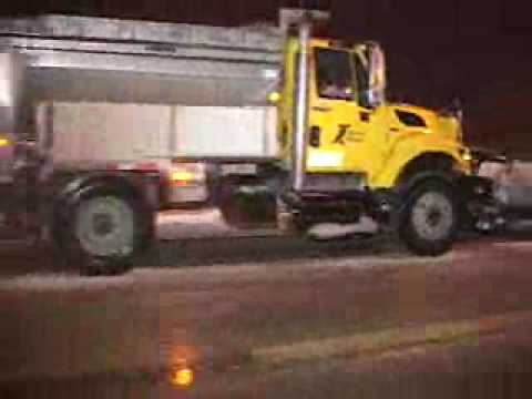 THIS IS WHAT I LOVE TO DO WHEN IT SNOWS IN THE CHICAGO AREA,EVERY EXPRESSWAY, TOLLWAY,AND MANY SOUTHERN & WESTERN SUBURBS I TRY TO FILM,SO MANY PLOWS & WAY T...