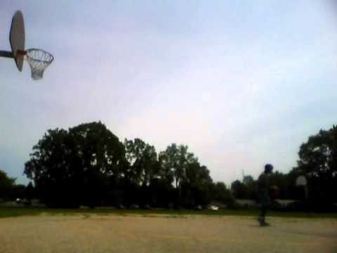 Dunks by Josh, Tosses by Tyreece.WMV