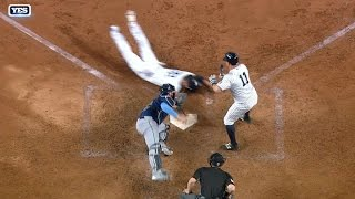 Ellsbury sprints to the plate to steal home