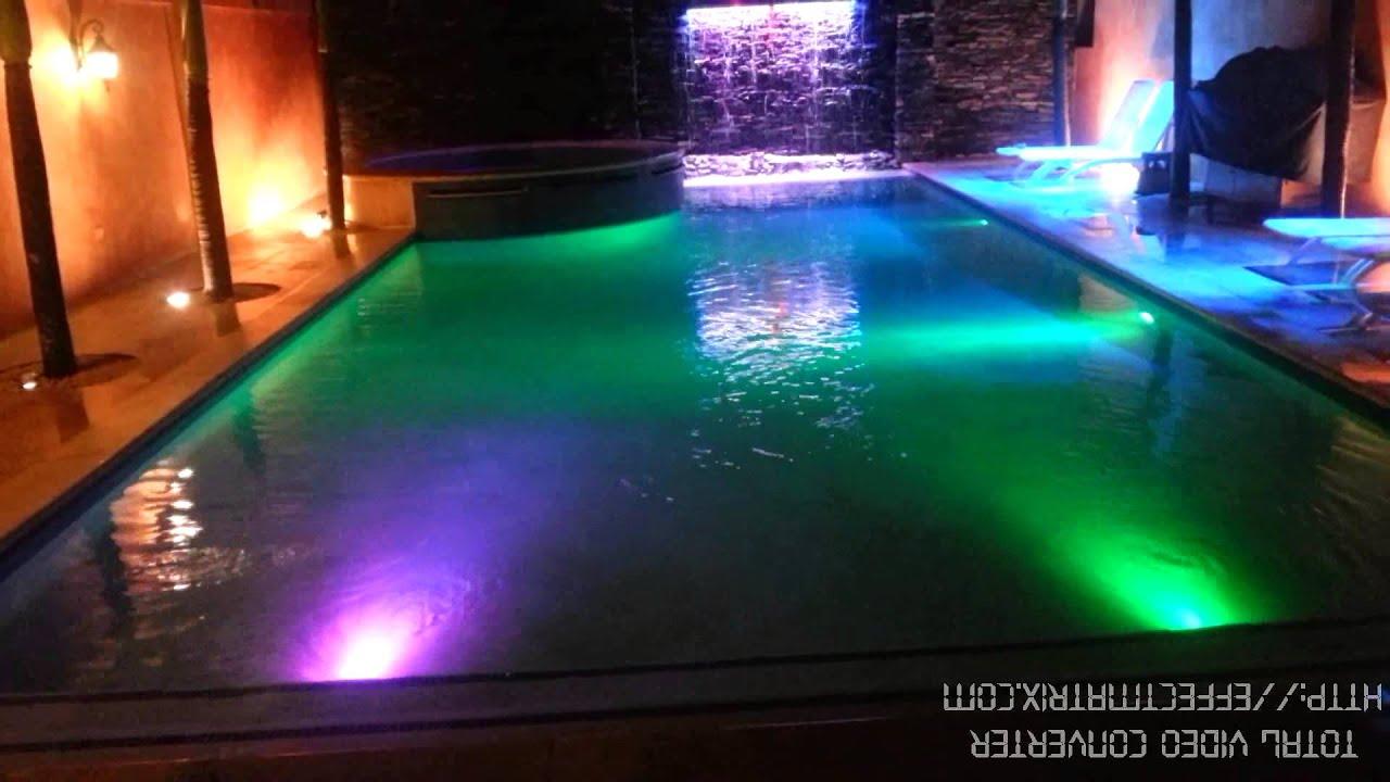 Piscina iluminadas en led youtube for Led para piscinas