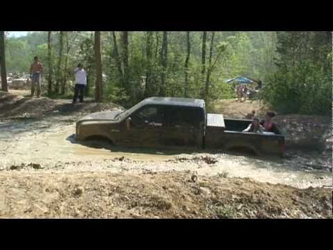 F 250 Powerstroke Hitting A Mud Hole At Tuscaloosa Offroad Crazy Youtube