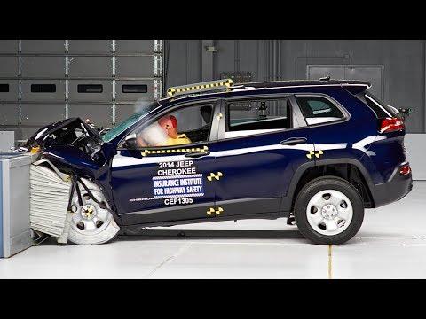 2014 Jeep Cherokee moderate overlap IIHS crash test