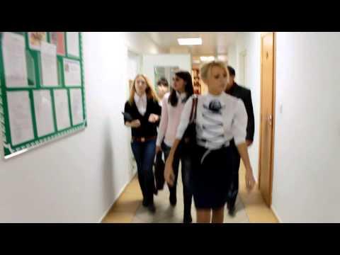 студенты отжигают фото