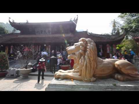 Lễ hội chùa Hương 2011 - Perfume Pagoda Festival 2011