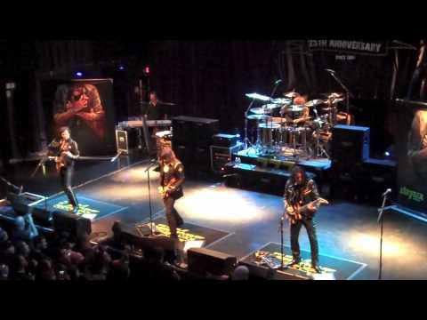 STRYPER TOUR 2009 with Oz n' Annie Fox