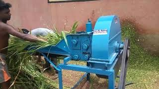 Chaff Cutter 4 by 4 machine can easily cut green fodder(kutti)
