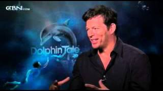 'Dolphin Tale' Hooks Harry Connick, Jr. - CBN.com