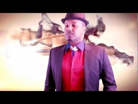 Ahmed Zaki Iyo Heesti (dhegxumo) Somali Music 2013 Hd video