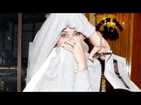 Miley Cyrus, Katy Perry, Justin Bieber, Selena Gomez & One Direction - Fights With Paparazzi