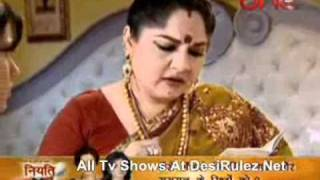 Hamari Beti Raaj Karegi 18th May 2011 Pt 1 wmv