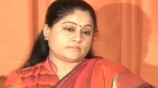 Vijayashanthi Challenges KCR