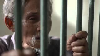 Clip cảm động về ông già nhặt rác người Thái lan
