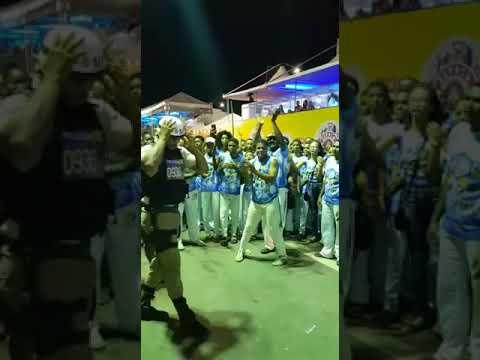 PM entra na roda de capoeira durante Micareta de Feira