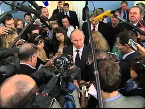 Vladimir Putin meets with government pool journalists