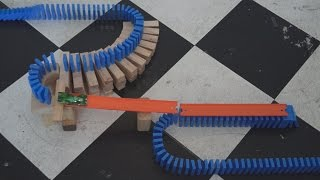 Hot Wheels + Dominoes