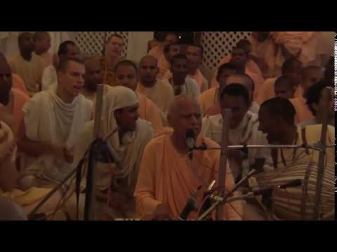 Lokanath Swami & Aindra Prabhu - Hare Krishna Kirtan - Iskcon Mayapur 2006 video