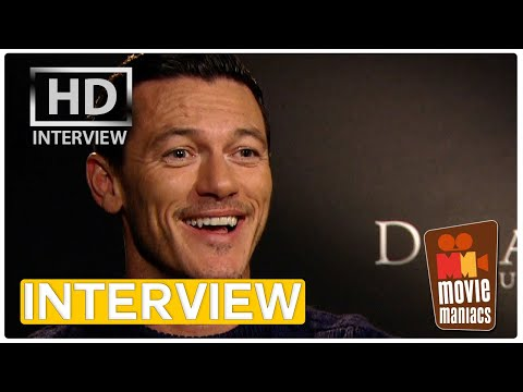 Dracula Untold | Luke Evans is the daddy of all vampires (Exclusive Interview)