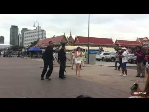 [Fancam]120731 Tiffany SNSD take a pic with Sone at asiatique the riverfront