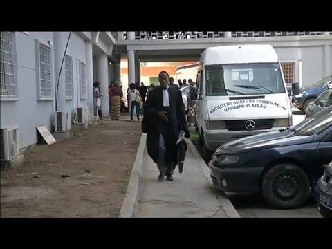 Côte d'Ivoire, Report du procès de Simone Gbagbo