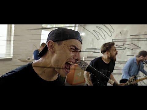 KIES - Nincs az a sor, amibe szívesen beállnék (Official Music Video)