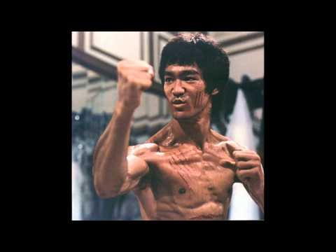 TOP 10. MEJORES ARTISTAS MARCIALES DE INTERNET, NUMERO 1.(Bruce Lee)
