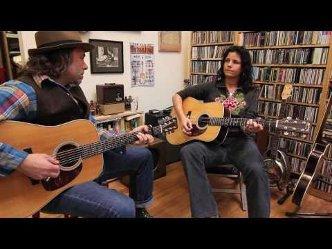 Kelly Joe Phelps&Corinne West - Night Falls Away Singing