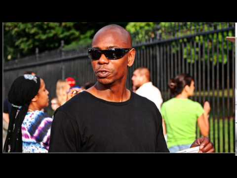 Fan throws banana peel at Dave Chappelle during show