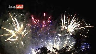 Download video Pesta Kembang Api Hari Jadi Trenggalek Ke 821 -