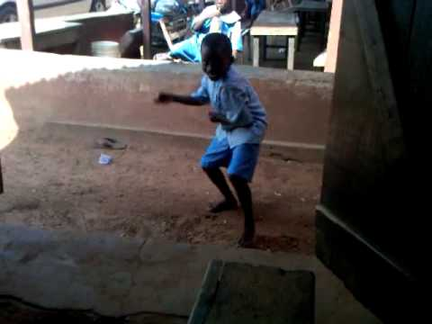 Funniest naija kung-fu fist by a 6 years old school boy(2013 kung-fu master)