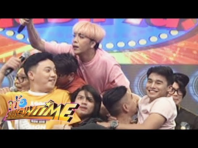 It's Showtime: Team Vice on Cash-Ya!