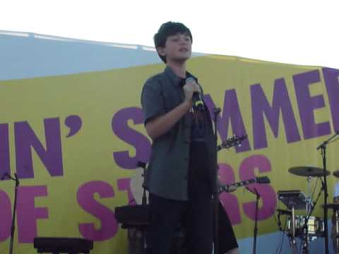 Greyson Chance - Hold on Til the Night - Ocean City, Maryland LIVE PERFORMACE