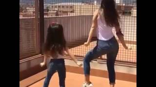 Aksi Ibu & Anak ini sungguh WOW. Best couple dance