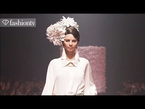 Flower Girl: Murua Spring 2012 touchMe Collection in Tokyo | FashionTV - FTV ASIA