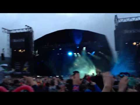 Deadmau5 intro at Rockness 2012