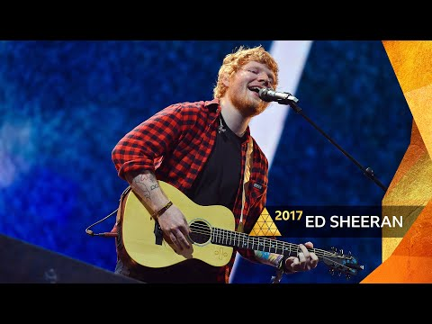 Ed Sheeran - Shape of You (Glastonbury 2017)