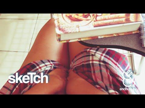 Viendo Como Chica Menstruando – Enchufetv