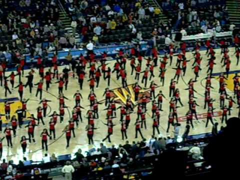 Jazzercize Women Show Their Stuff at the Warriors Game