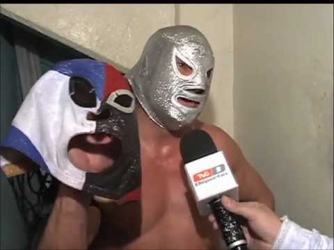 Hijo del Santo reta a Blue Demon Jr. máscara vs máscara (21-11-2012)