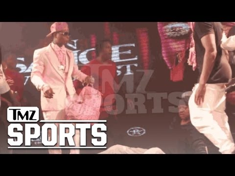 Steve Francis got his chain snatched at a Houston rap show
